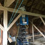 behandling af borebiller i kirke - sprøjtning for borebilleangreb